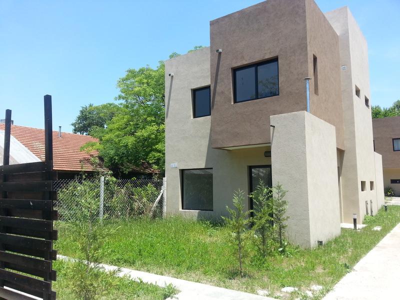 Casas en venta en jose marmol partido de almirante brown for Casas en jose marmol