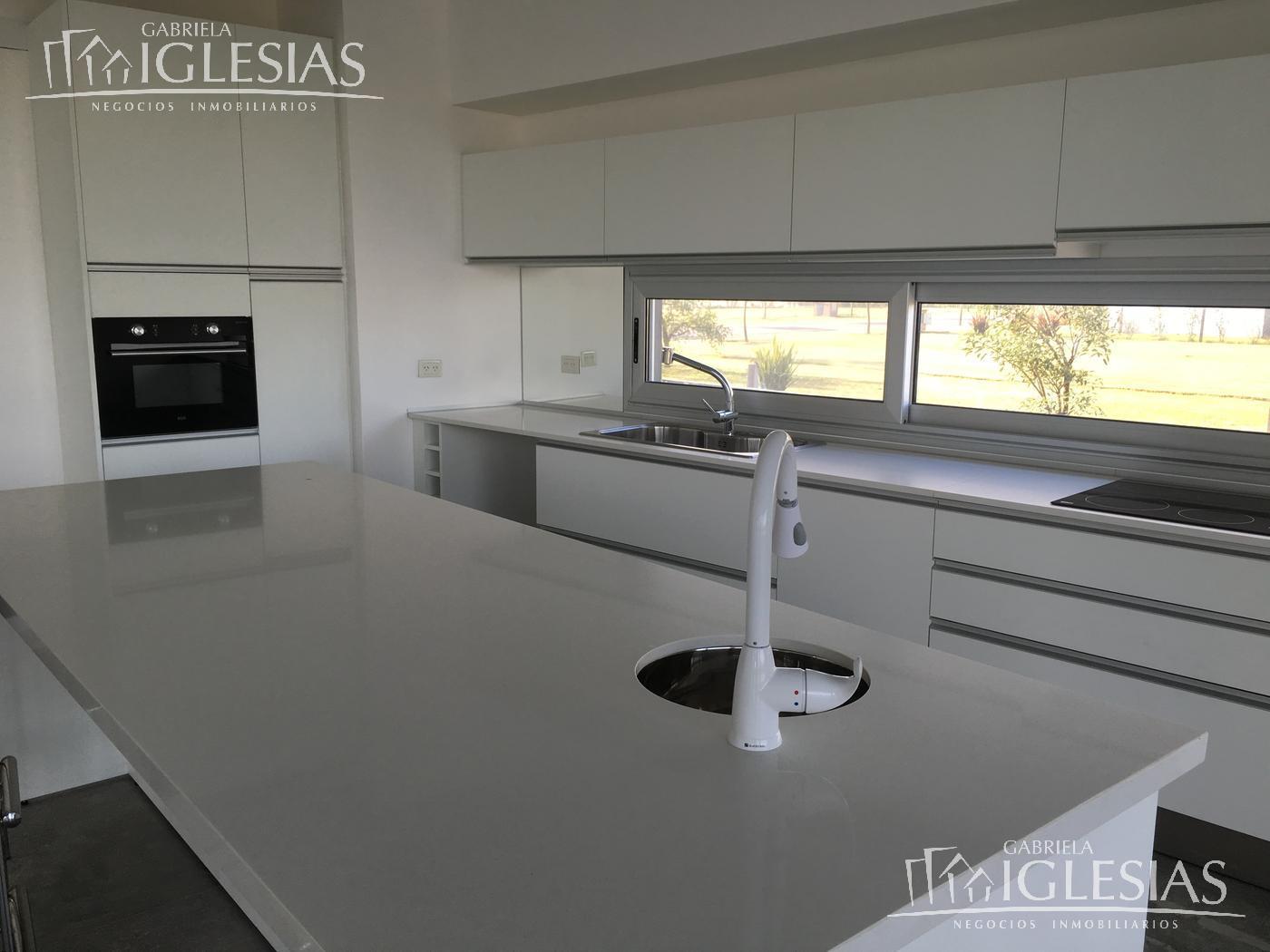 Casa en Venta en Lagos del Golf a Venta - u$s 890.000