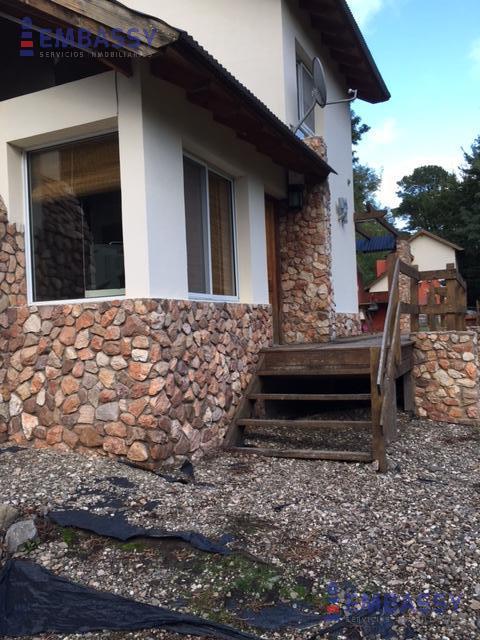 Casa en Churrinche  entre Curamalal y Las Piedras .